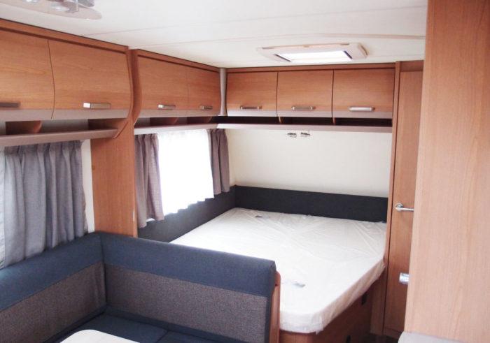Ložnice v karavanu Knaus Sport 550 FSK