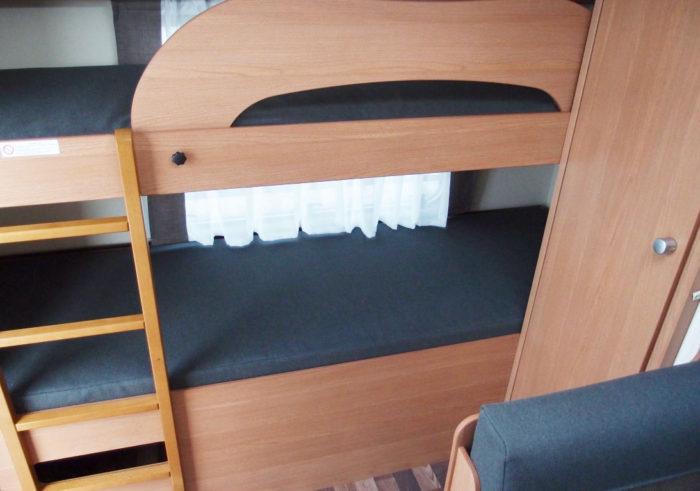 Palandy v karavanu Knaus Sport 550 FSK