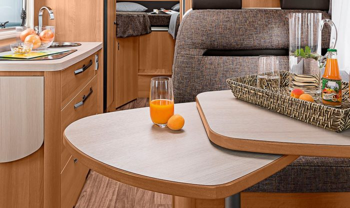 interiér kuchyně obytného auta Knaus Van I 650 MEG Platinum Selection