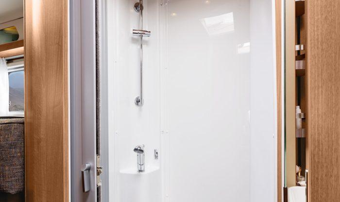 Koupelna v obytném autě Knaus Van I 650 MEG Platinum Selection 2018