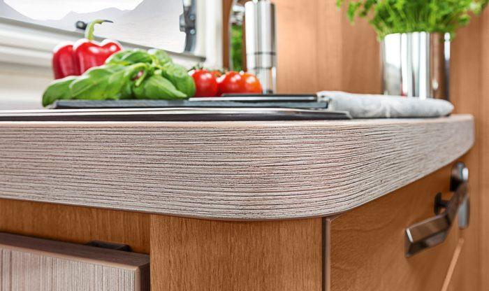 Kuchyňská linka a interiér obytného auta Knaus Van I 650 MEG Platinum Selection